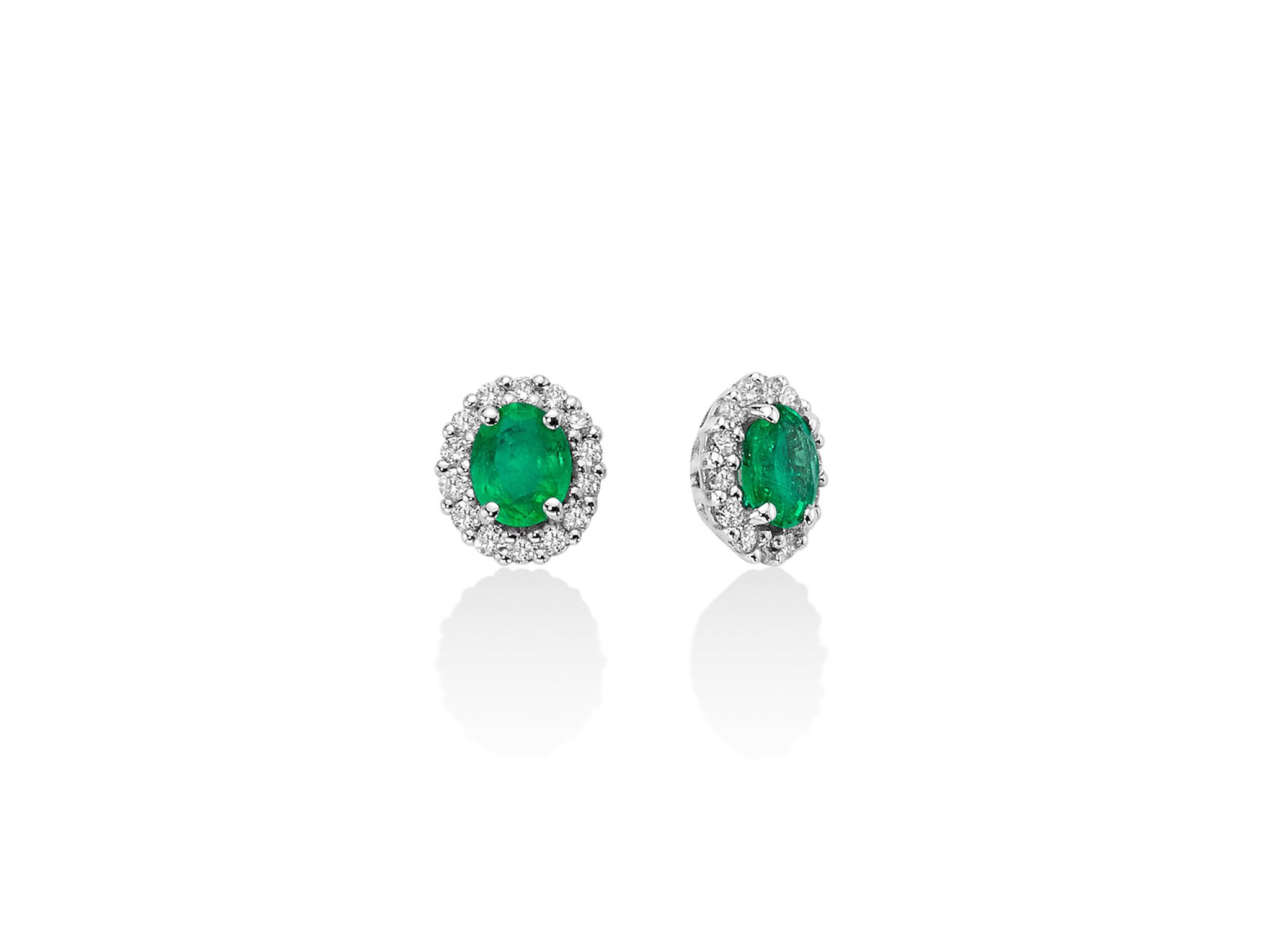 Orecchini smeraldo ovale e diamanti. - ERD2401
