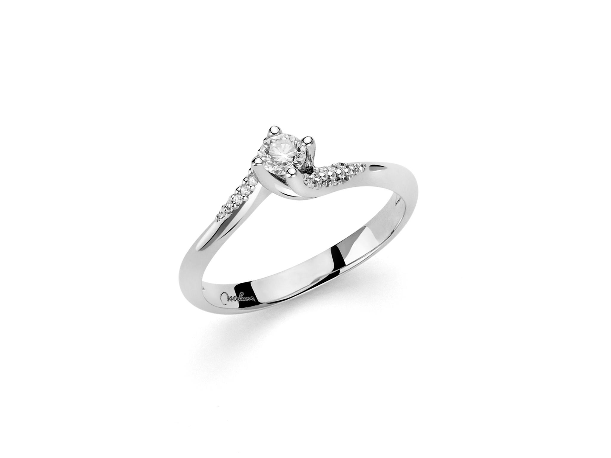 Solitario 4 griffes e diamanti. - LID3297-018G7