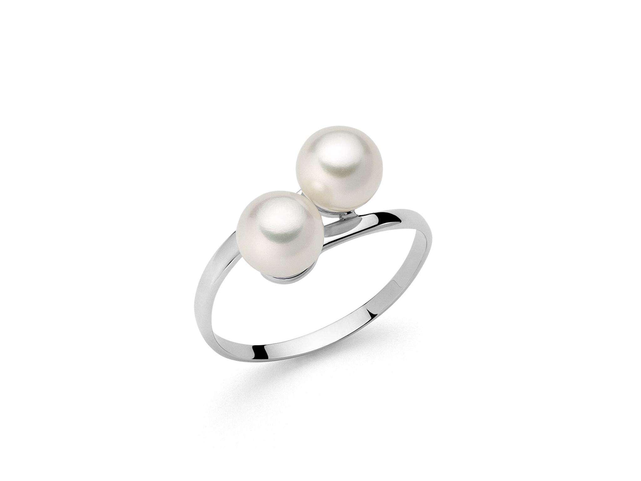 Anello in oro, con perle bianche e grigie - PLI947
